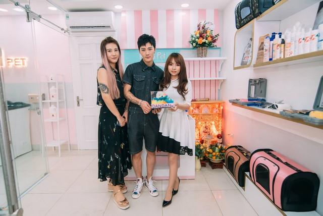 Master Thùy Linh Nguyễn cùng 2 Master Xiao Hao và Wang